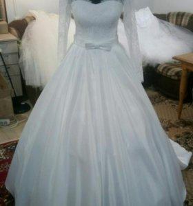 Новое свадебное платье атлас