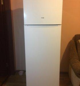 Холодильник FSTE