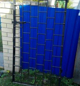Металлическая дверь решетка