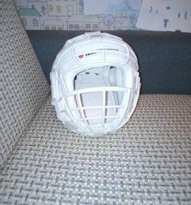 Шлем с решоткой