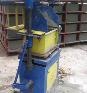 Оборудование для производства блоков пресованием