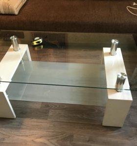 Журнальный стол белый стеклянный