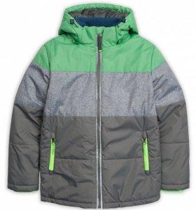 Куртка на мальчика р. 144 серая с зеленым