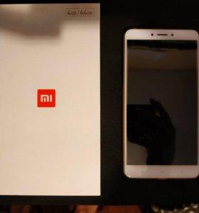 Xiaomi mi max 2 4/64 с трещиной