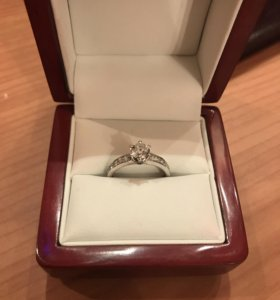 Кольцо с бриллиантом 1,00 К, сертификат GIA