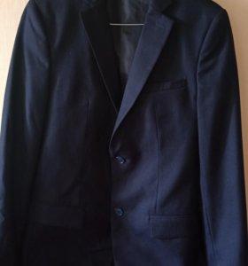 Пиджак школьный новый на рост 172-175, худенькому