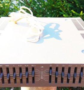 Эквалайзер стереофонический восьми полос.