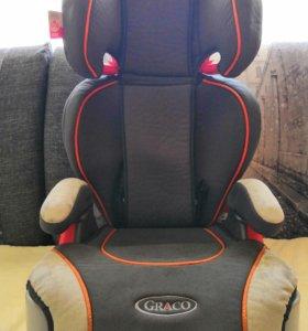 Автомобильное кресло Graco.