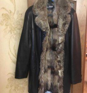 Кожанная куртка с мехом.