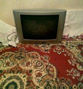 Телевизор Томсон.Большой.