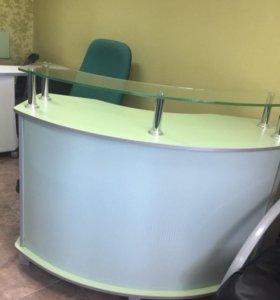 Столик администратора