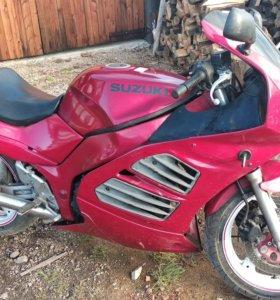 Suzuki rf 400 rv