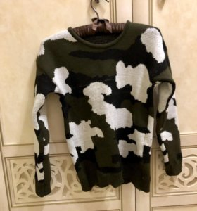 Комуфлированный свитер свитшот новый