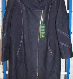 Новое демисезонное пальто р.58