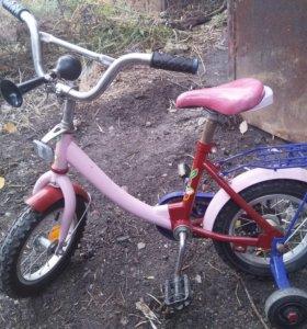 Детский велосипед. На возраст 3-5 лет.