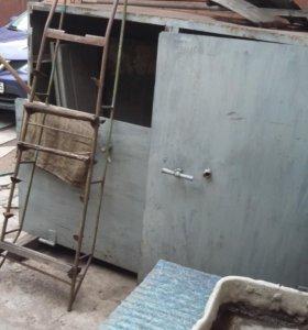 металлический шкаф-сейф
