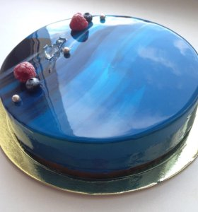 Торты с глазурным зеркальным покрытием под заказ