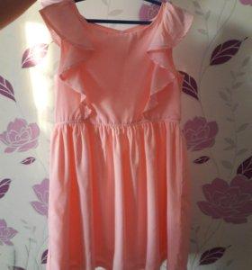 Очень милое ,нежное платье для девочки .