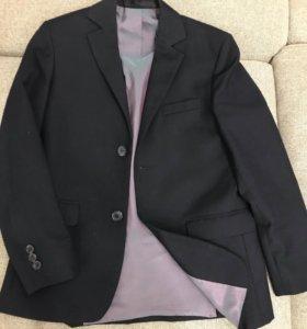 Пиджак детский, б/у состояние отличное