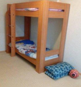 Кровать двухьярусная детская