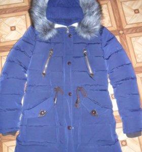 Зимняя куртка( шапка входит в стоимость)