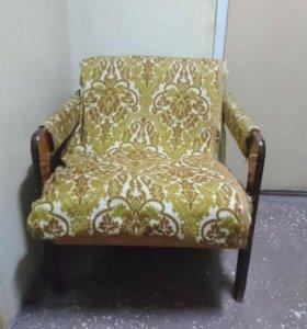 Очень  удобное, мягкое кресло.
