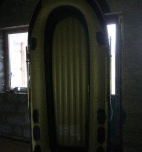 Лодка новая