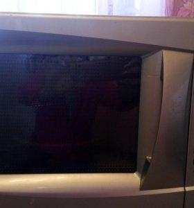 Продам микроволновую печь DAEWOO