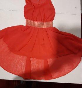 Праздничное детское платья4-6лет