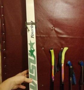Лыжи полупластиковые и палки