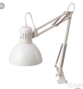 Лампа настольная круглая белая