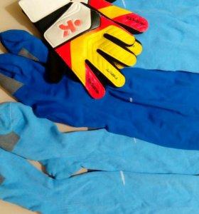 Гетры для футбола+перчатки вратаря