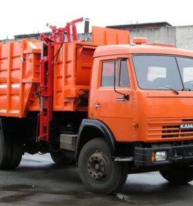 Водитель автомобиля мусоровоз