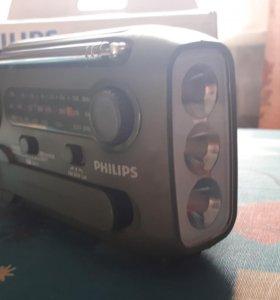 Радио PHILIPS походное
