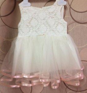 Платье пышное. Размер на 6-9 месяцев