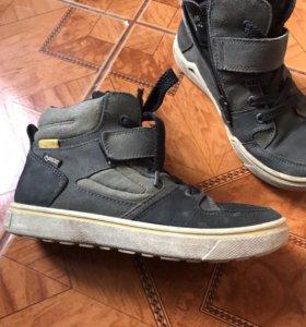 Ботинки фирменные ecco