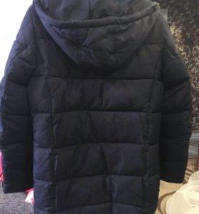 Продам отличную куртку на подростка.