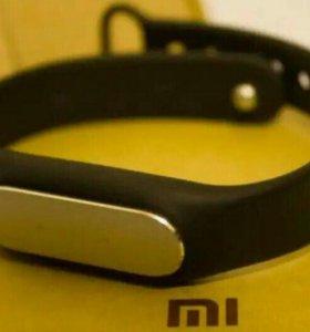 Фитнес-трекер Xiaomi Mi Band 1S