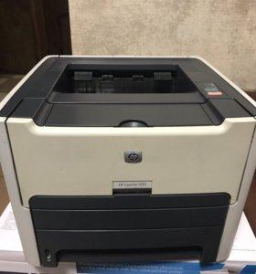 Продаю принтер HP LaserJet 1320