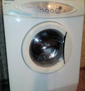 Продам стиральную машину Samsung.