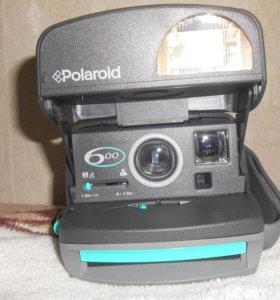 Polaroid 600 Instant Camera
