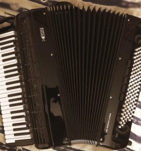 Готово-выборный аккордеон Pigini Sirius (Италия)