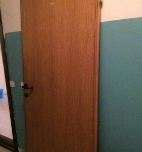 Дверь..