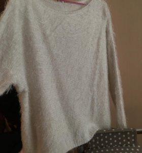 Уютный свитер.