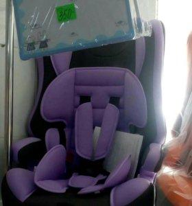 Автомобильное кресло с 9 кг до 12 лет