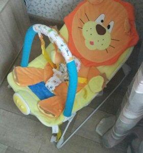 Шезлонг детский