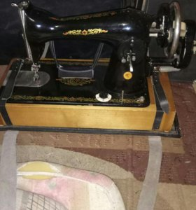 Продаю швейная машинка Подольск ручная