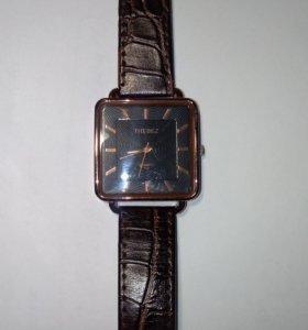 Часы thebez