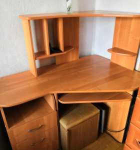 Компьютерный стол угловой б/у