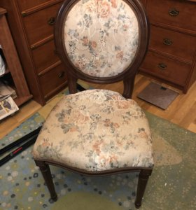 Элегантный стул